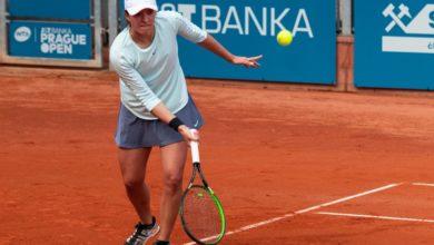 """Photo of Tenis. Roland Garros: Iga Świątek przegrała w półfinale debla. """"Na otarcie łez"""" – finał singla!"""