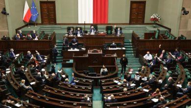 Photo of Sejm. Ustawa o walce z Covid-19. Sklep nie obsłuży klienta bez maseczki