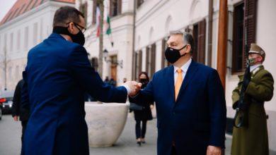 Photo of Budapeszt. Morawiecki spotkał się z Orbánem. Weto Polski i Węgier ws. budżetu wisi nad UE