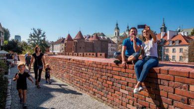 Photo of Warszawa – 2019 rok. Ponad 10 mln turystów. Kto odwiedził stolicę?