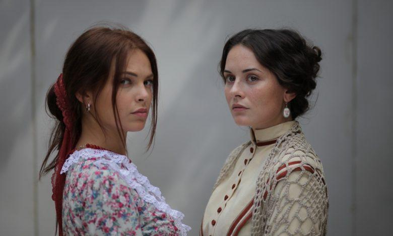 """Photo of Nowy serial """"Kozacka miłość"""". Młoda i piękna Marysia Sotnyk dorasta u bogatego Kozaka i… [ZDJĘCIA]"""