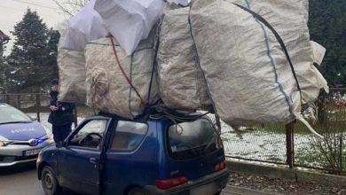 Photo of Przewoził na dachu ładunek dwa razy większy od swojego pojazdu