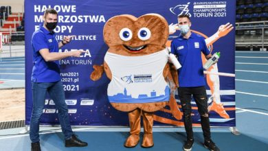 Photo of Marcin Lewandowski ambasadorem halowych mistrzostw Europy 2020 w Toruniu. Katarzynka maskotką