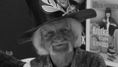 """Photo of Henryk Chmielewski """"Papcio Chmiel"""" nie żyje. Autor komiksu """"Tytus, Romek i A'Tomek"""" miał 97 lat"""