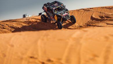 Photo of Rajd Dakar 2021 – etap maratoński. Domżała i Marton wciąż liderami mimo awarii napędu. Przygoński walczy o podium