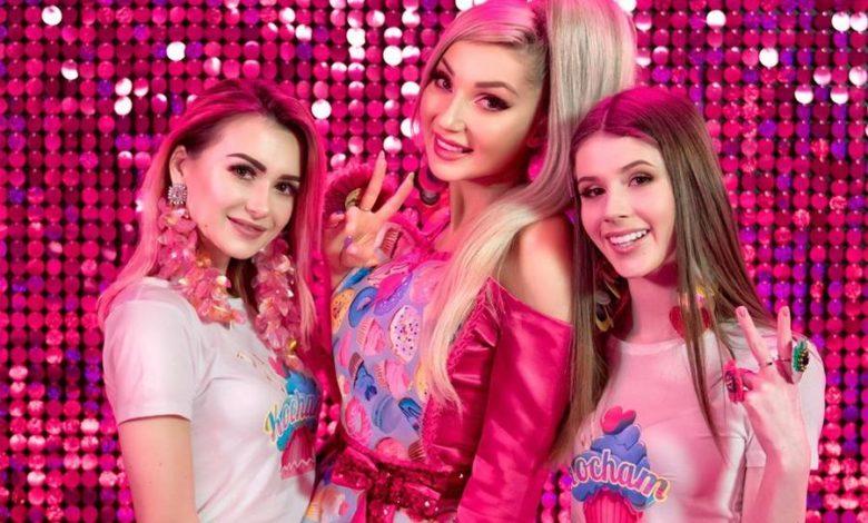 """Photo of Cleo zaszalała! Roksana Węgiel, Weronika Sowa, Damian Kordas w kolorowym teledysku """"KOCHAM"""""""