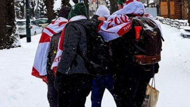 """Photo of Zakopane. Bójki, tańce, bez dystansu i maseczek. Tak bawią się """"prawdziwi Polacy""""!"""