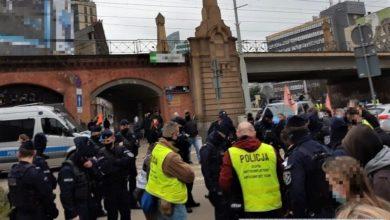 Photo of Wrocław. Mandaty za koronaparty na Wyspie Słodowej. Protest młodych ekologów