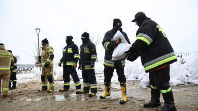 Photo of Zator lodowy na Wiśle. Służby pomagają mieszkańcom Płocka