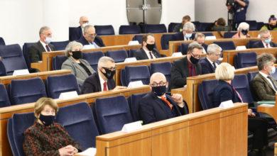 Photo of Ustawa o służbie zagranicznej. Ambasador bez znajomości języków i wyższego wykształcenia