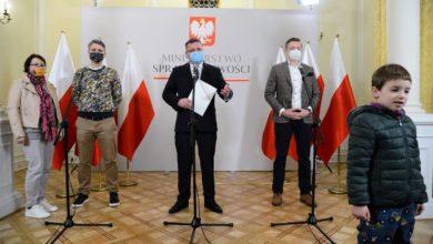 Photo of Rodzice ścigani pod zarzutem uprowadzenia dziecka. 8-letni Martin zostaje w Polsce