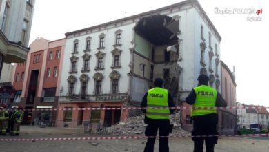 Photo of Katastrofa budowlana w Rybniku. W kamienicy były osoby pod wpływem alkoholu [WIDEO]