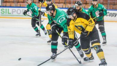 Photo of W półfinałach Polskiej Hokej Ligi wciąż trwa walka