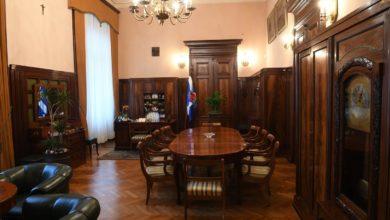 Photo of Prezydent Krakowa Majchrowski dostał mandat. Palił cygaro w Urzędzie Miasta