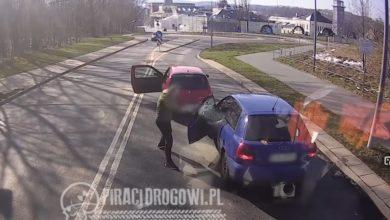 Photo of Wałbrzych. Agresywny mężczyzna wybił kijem golfowym szybę innemu kierowcy [WIDEO]