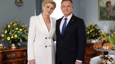 """Photo of Życzenia wielkanocne Pary Prezydenckiej. """"Czekamy na powrót do normalnego życia"""" [WIDEO]"""