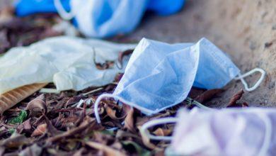 Photo of Zadbaj o środowisko! Zużyte maseczki wyrzucaj do kosza. To 4,6 miliona ton rocznie