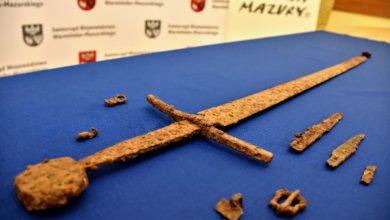 Photo of Sensacja archeologiczna! Wydobyto miecz grunwaldzki pod Olsztynem