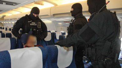 Photo of Agresywni pasażerowie na pokładzie samolotu. Akcja pirotechników Straży Granicznej